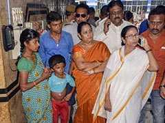 ममता बनर्जी बोलीं- अस्पताल के दौरे पर गई तो प्रदर्शन कर रहे डॉक्टरों ने दी गालियां, उनके साथ बाहरी लोग भी थे मौजूद