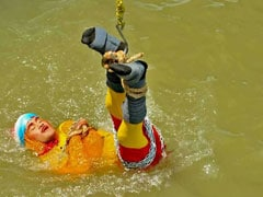 Kolkata Magician Dies Underwater After Stunt Fails
