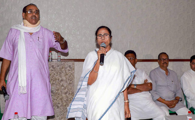Those living in Bengal will have to learn Bengali, says Mamata Banerjee