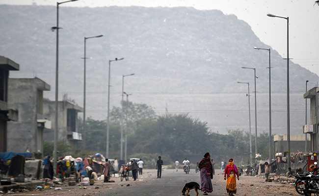 India's Tallest Rubbish Mountain May Rise Higher Than Taj Mahal