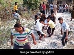 झारखंड: गहरी खाई में बस गिरने से 6 की मौत, 39 घायल