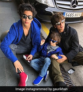 SRK's Son Aryan As The Lion King's Simba? Nepotism, Says Twitter