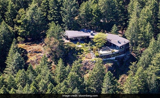 Canada's Spotlight on Tycoon C Sivasankaran And An Island Luxury Home