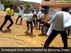 मध्य प्रदेश में 'बल्लाकांड' के बाद 'विकेट कांड' : अब एक और BJP नेता ने की अफसर की पिटाई, देखें- VIDEO