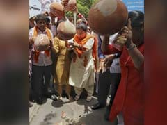 "BJP's Meenakshi Lekhi Protests Against ""Water Shortage"" In Delhi"