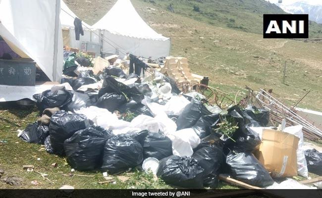 उत्तराखंड के औली में कचरा बिखेरने वाले गुप्ता बंधुओं पर लगा 2.5 लाख रुपये का जुर्माना