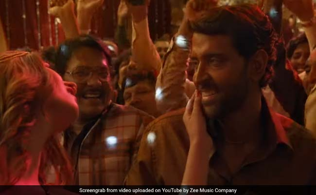 Super 30 Song Paisa: Hrithik Roshan As Anand Kumar Cashes In