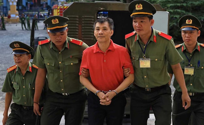 Vietnam jails American for 12 years for attempting to overthrow state