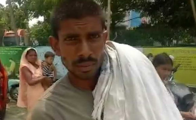 Denied Ambulance, Bihar Man Carries Child's Body To Hospital On Shoulder