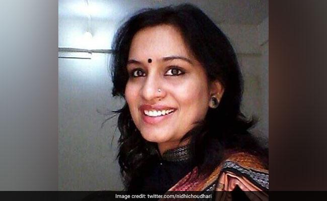महिला IAS अधिकारी के गांधी-विरोधी ट्वीट पर बवाल, NCP ने की निलंबन की मांग
