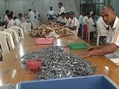 शिर्डी के साईं बाबा मंदिर ट्रस्ट को सिक्कों ने कर दिया चिंतित, जानिए कारण