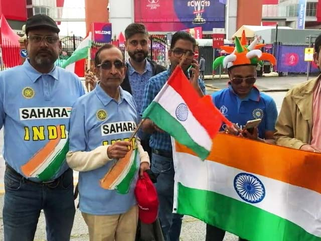 Video : World Cup: Fans Throng To Old Trafford For India vs Pakistan Mega Clash