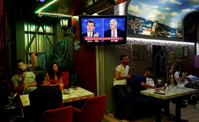 Turkey Mayoral Candidates Face Off In Rare Debate Before Election Test