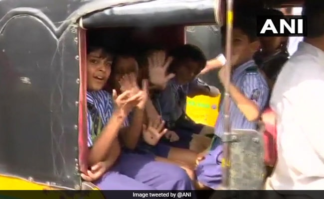 500 Booked For Carrying Extra Students In School Vehicles In Hyderabad