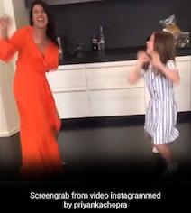 प्रियंका चोपड़ा ने 'सोना-सोना' सॉन्ग पर यूं झूमकर किया डांस, Video हुआ वायरल