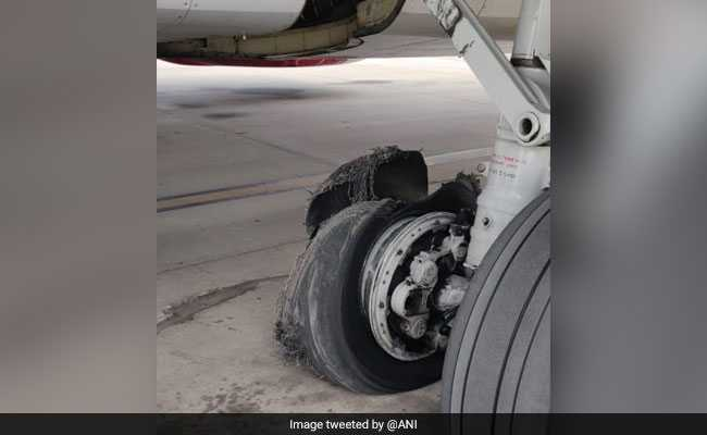 SpiceJet Flight From Dubai Lands Safely In Jaipur After Tyre Burst. Watch
