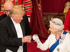 जब महारानी एलिजाबेथ-द्वितीय को दिया तोहफा भूल गए डोनाल्ड ट्रंप, यूं पत्नी मेलानिया फंसने से बचाया