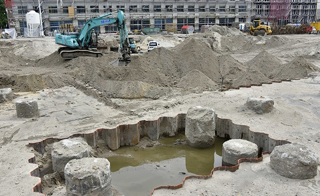 WWII American Bomb, Found At Construction Site In Berlin, Defused