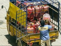 Non-Subsidised LPG Prices Hiked By Up To Rs 76.5/Cylinder This Month