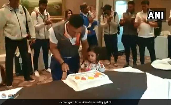 धोनी ने कुछ इस अंदाज में मनाया अपना 38वां जन्मदिन, सोशल मीडिया पर वायरल हो रहा है VIDEO