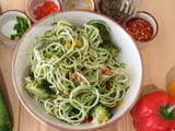 Video : Healthy Vegan Diet: How To Make Zucchini Noodles At Home
