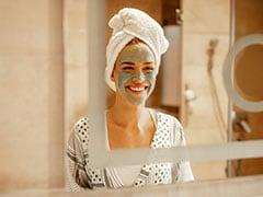 Skincare Tips: इस मौसम में कैसे करें त्वचा की देखभाल, पढ़ें स्किन मॉइस्चराइज करने के तरीके और Remedies