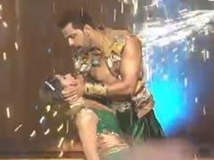 Nach Baliye 9: उर्वशी ढोलकिया ने अपने एक्स के साथ कुछ इस तरह किया रोमांटिक डांस, Video देख रह जाएंगे हैरान