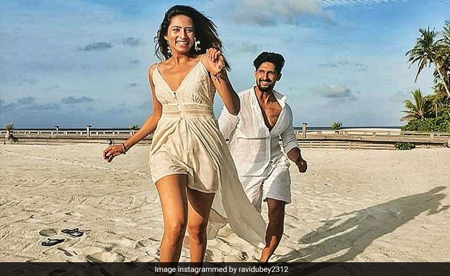Inside Ravi Dubey And Sargun Mehta's Dreamy Vacation In Maldives