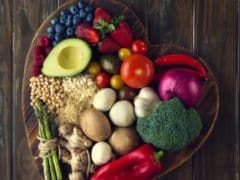 Healthy Diet May Help Stave Off Risk Of This Common Eye Disease: Study