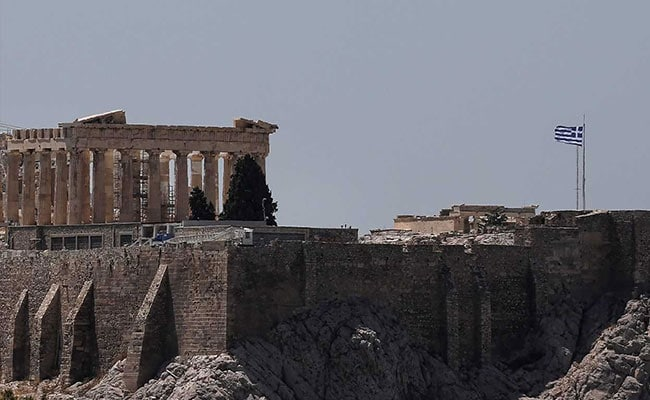Greece Briefly Shuts The Acropolis As Over Heatwave In Athens