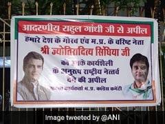 ज्योतिरादित्य सिंधिया को कांग्रेस अध्यक्ष बनाने की मांग, भोपाल कार्यालय के बाहर लगे पोस्टर