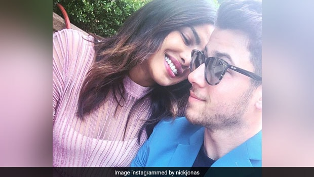 Priyanka Chopra And Nick Jonas Cook Pasta For Their 'Date Night' In Tuscany(Watch Videos)