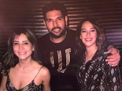 Kim Sharma's Pic With Rumoured Ex Yuvraj Singh And Hazel Keech Is 'Good Vibes Only'
