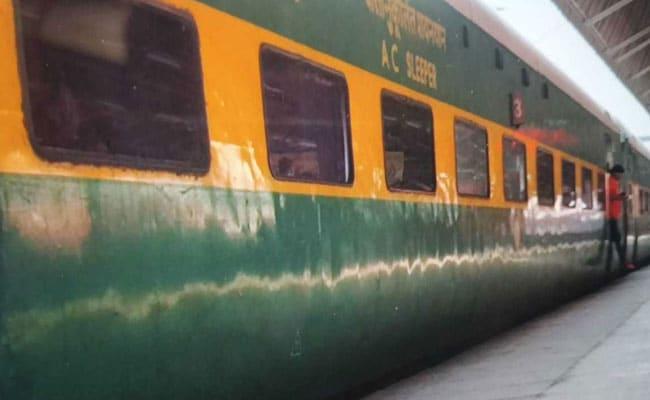 गरीब रथ ट्रेन बंद करने की तैयारी, दो गरीब रथ ट्रेनें हो गईं मेल-एक्सप्रेस.. बढ़ गया भाड़ा