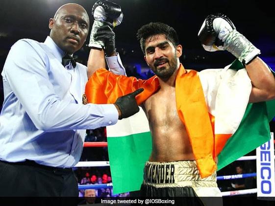 अमेरिका के माइक स्नाइडर को हराकर बॉक्सर विजेंदर सिंह ने लगातार 11वीं पेशेवर फाइट जीती
