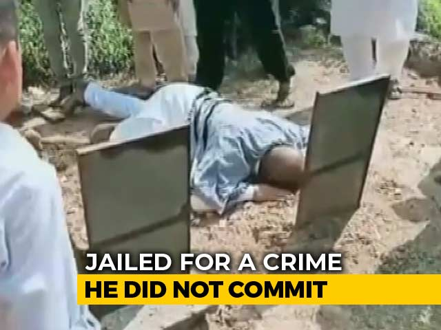 Video : Unjustly Jailed For 23 Years, Ali Mohammed Bhat Returns To Parents' Grave
