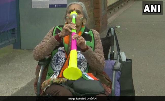 जिस दादी से मिलने स्टैंड पर पहुंच गए थे विराट कोहली, उन्हें वर्ल्ड कप मैच के टिकट देंगे आनंद महिंद्रा