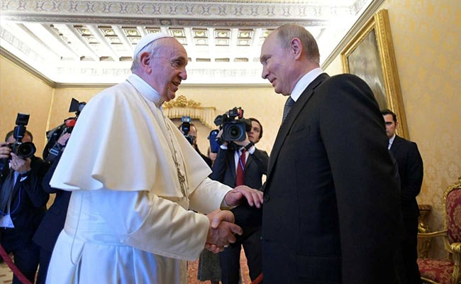 Russia's Putin Arrives An Hour Late In Meet With Pope Francis