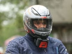 इस राज्य में टू-व्हीलर चलाते हुए हेलमेट नहीं पहना तो ड्राइविंग लाइसेंस तीन माह के लिए होगा सस्पेंड...
