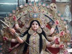 Durga Puja 2019: একটি বছর পরে মেয়ে আসছে ঘরে