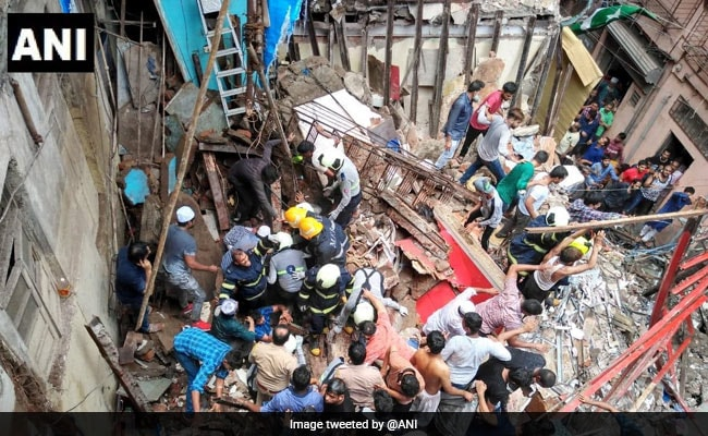 40 trapped as building collapses in south Mumbai