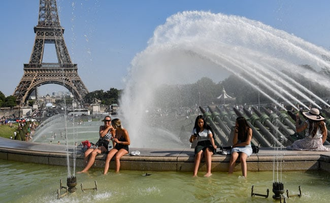 Paris latest to break record with 42.6C