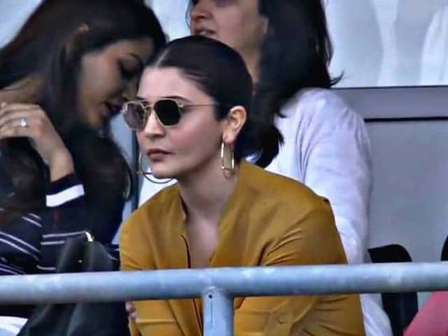 World Cup 2019, IND vs SL: Thats how Anushka Sharma cheers team India, fans give interesting comments
