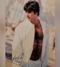 Akshay's Response To Fan Who Dug Out Autographed Pic From 20 Years Ago