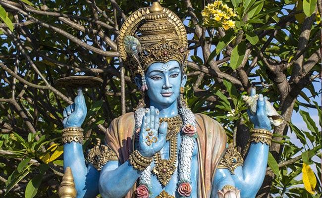 Dev Uthani Ekadashi 2019: देवउठनी एकादशी का शुभ मुहूर्त, पूजा विधि, व्रत कथा और तुलसी विवाह का महत्व