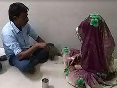 दमोह : सरकारी अस्पताल में सर्पदंश की मरीज का झाड़-फूंक से किया गया 'इलाज', देखें - VIDEO