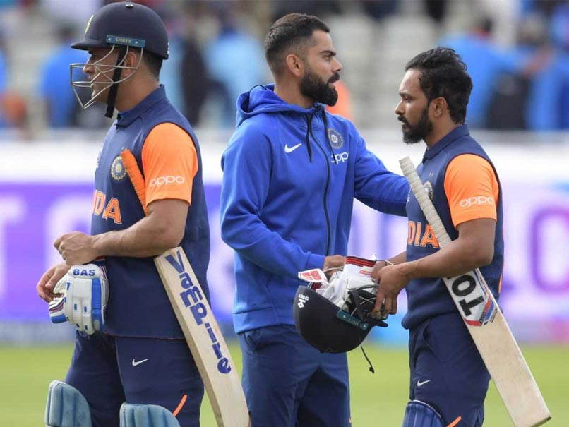 "India vs England: MS Dhoni, Kedar Jadhavs ""Lack Of Intent"" Leaves Cricket Fraternity Baffled"