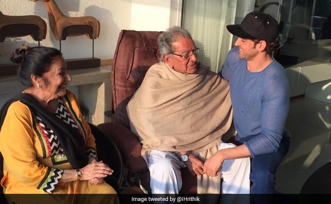 Ahead Of Super 30 Release, Hrithik Roshan Thanks The Real Life 'Super Teachers' Of His Life