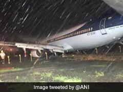 मुंबई में बारिश का कहर:  'स्पाइसजेट' का विमान एयरपोर्ट पर फिसला, मुख्य रनवे बंद, 52 फ्लाइट्स कैंसिल तो 54 को किया डायवर्ट