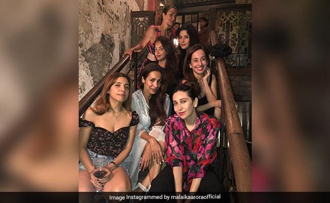 Inside Karisma Kapoor's 'Night Out' With Malaika Arora, Maheep Kapoor And Others